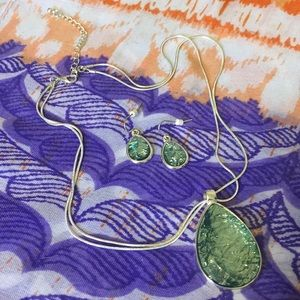 NWOT Sparkly Necklace & Earrings Set